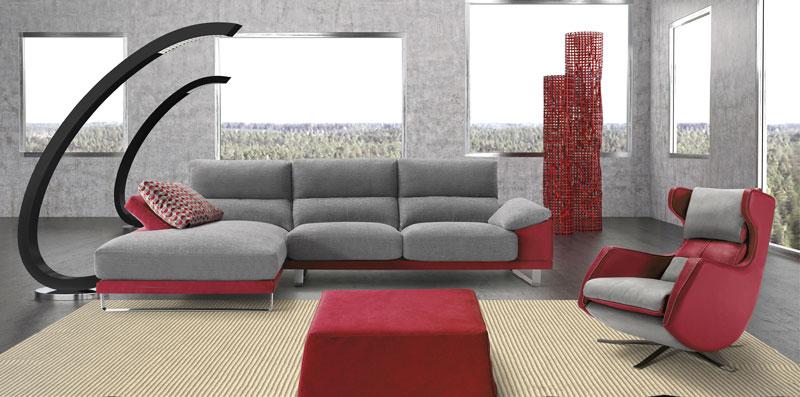sofá con estructura de metal